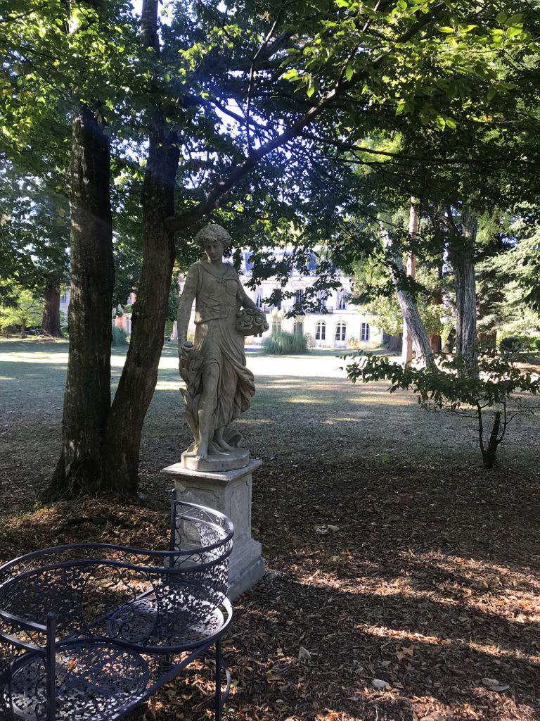 statue du parc du château de la Courade en Charente