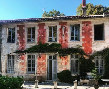 façade du chateau de la Courade en Charente côté parc