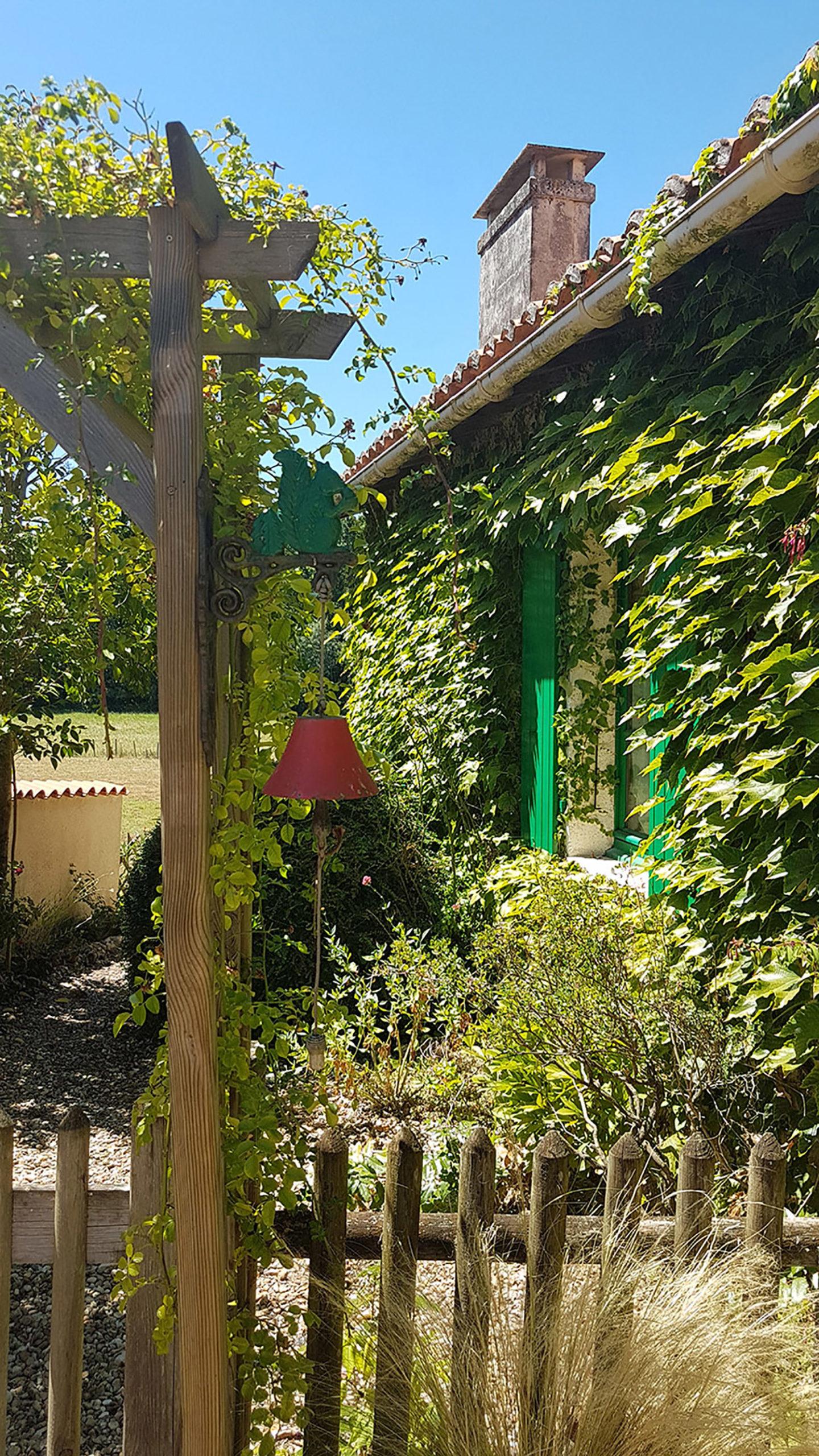 façade de maison des jardins du coq