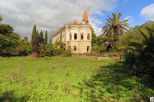 vue du palais Fonte da Pipa à Loulé en Algavre au Portugal depuis le jardin