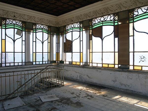 verrière de la tour de la villa Zanetti à Savone en Italie
