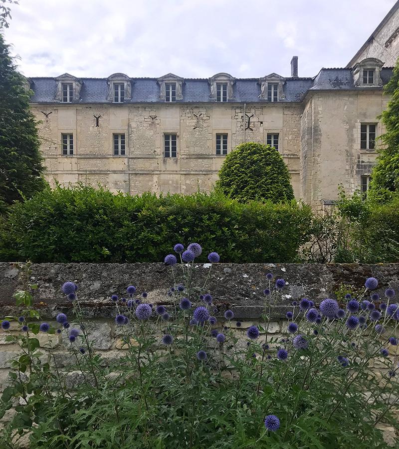 façade de l'abbaye de Bassac en Charente