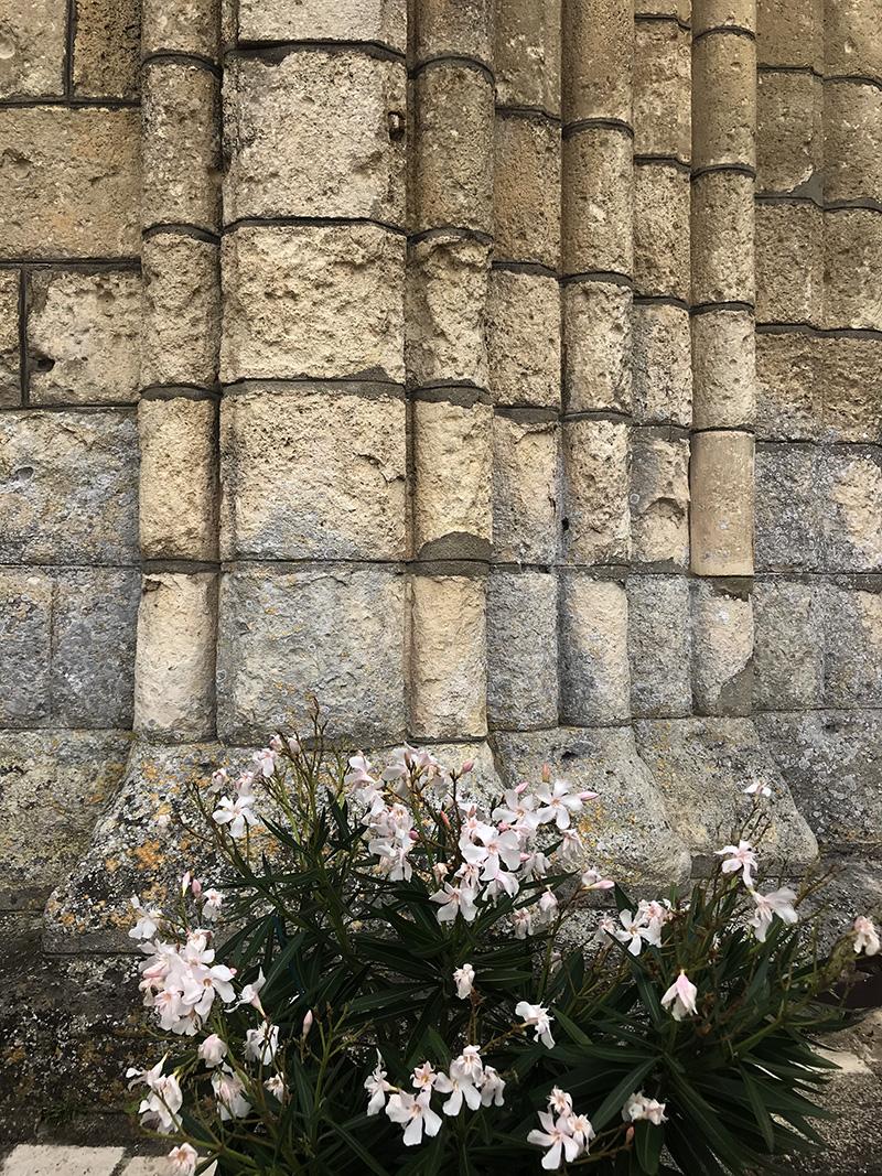 façade de l'abbaye de Bassac