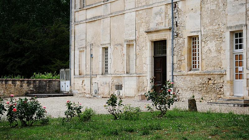 entrée de l'abbaye de Bassac